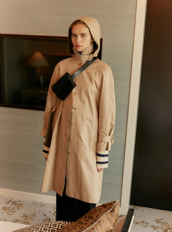 Single Button Hood Trench Coat in Beige VW9AR0480